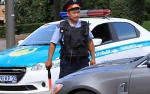 Сотрудник дорожной полиции РК